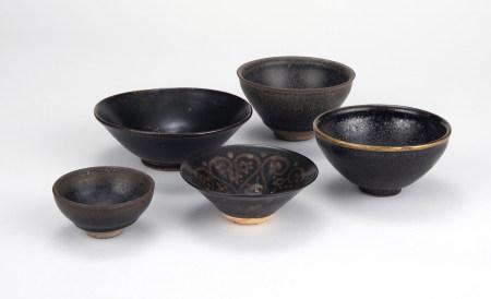 宋 建窯黑目碗兩件、吉州窯碗、定窯黑釉碗、天目碗 共五件