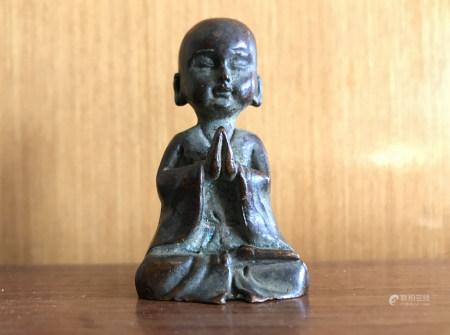 沙弥坐像 铜把件
