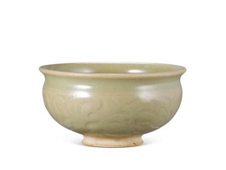 宋代 耀州窯刻花筆洗 Song Dynasty BRUSH WASHER WITH DESIGN OF FLORA FROM YAOZHOU KILN