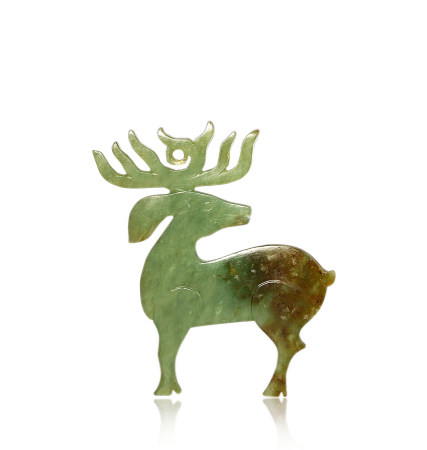 西周 玉鹿 Western Zhou Dynasty JADE CARVED DEER