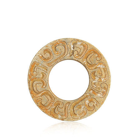春秋 玉雕雲紋環 Spring and Autumn Period JADE CARVED RING WITH DESIGN OF CLOUD, HUAN