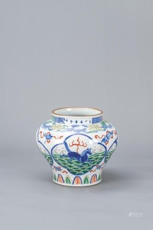 十八世紀 鬥彩開光河馬圖罐「大明萬曆年制」款