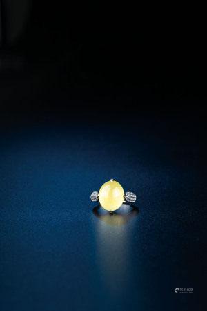 黃翡翠蛋面戒指