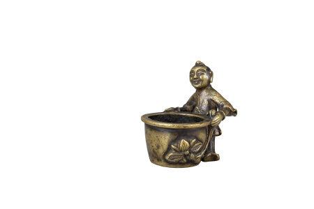 明 銅雕持荷童子香爐