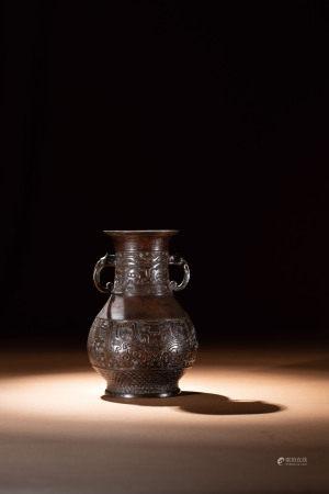 明 銅獸面紋雙耳瓶