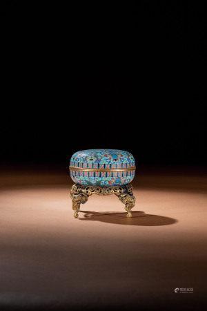 清 銅胎掐絲琺瑯西番蓮紋寶盒連座