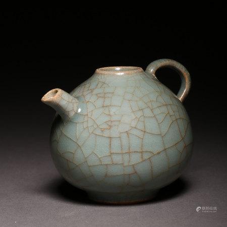 ANCIENT CHINESE CELADON PORCELAIN POT