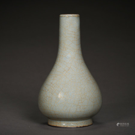 ANCIENT CHINESE CELADON PORCELAIN VASE