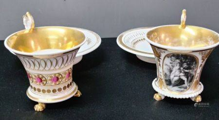 Lot de 2 tasses en porcelaine empire avec leurs sous tasses.