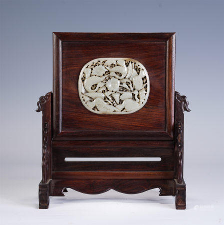 A CHINESE CARVED JADE INLAID HARDWOOD TABLE SCREEN