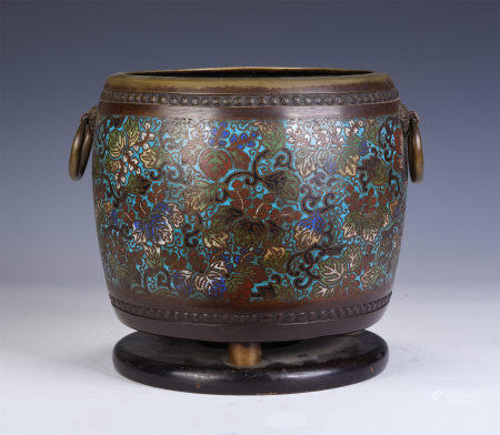 A CHINESE CLOISONNE ENAMEL JAR