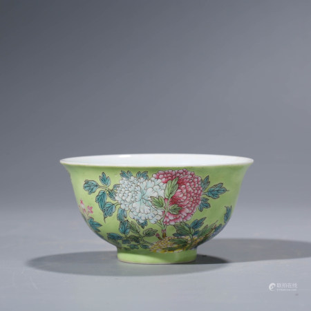 A CHINESE FAMILLE ROSE PORCELAIN POENY BOWL MARKED KANG XI
