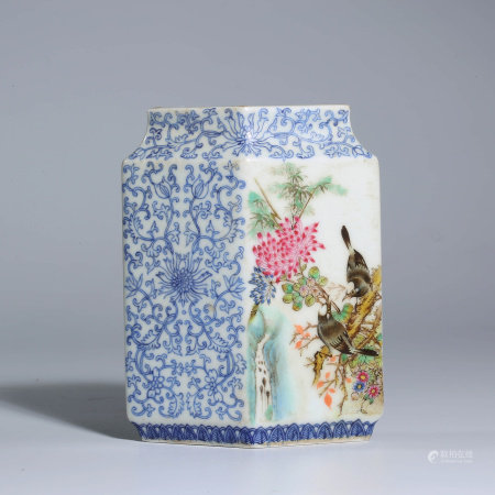 A CHINESE FAMILLE ROSE PORCELAIN BIRDS AND FLOWERS VASE MARKED QIAN LONG