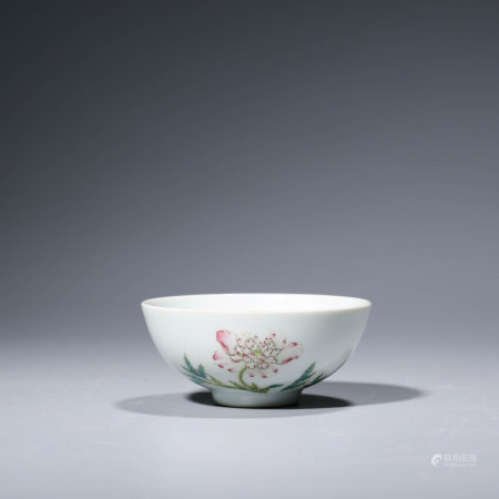 A CHINESE FAMILLE ROSE PORCELAIN POENY BOWL MARKED YONG ZHENG
