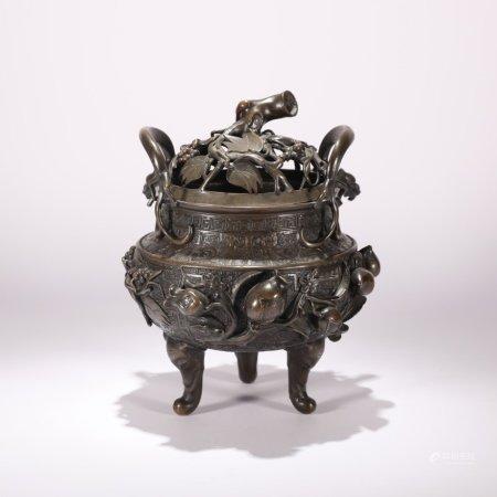 清代 铜制福寿纹象足香薰炉