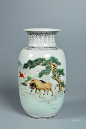 A galloping horse on a bottle 奔马纹赏瓶