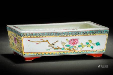 中国景徳鎮製款 粉彩花鳥紋四方盤