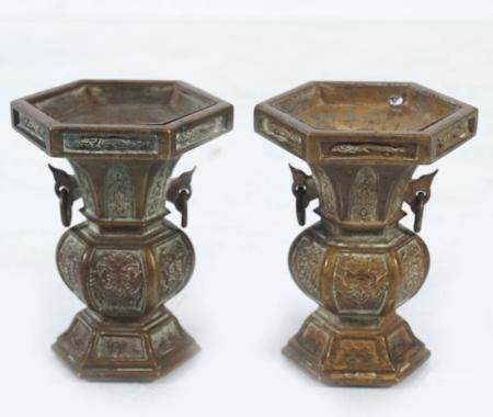 PAIR 18TH-CENTURY CHINESE BRONZE VASES