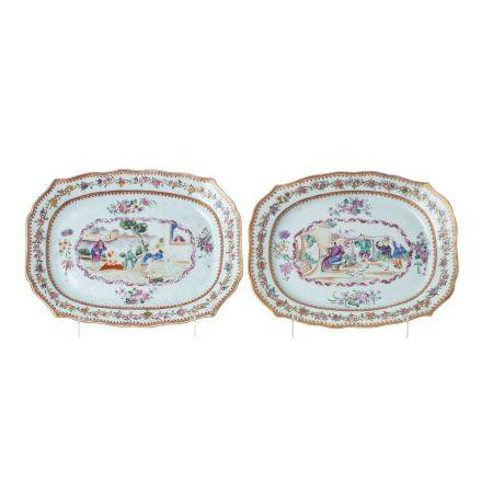 Pair of 'Mandarin' platters in Chinese porcelain,