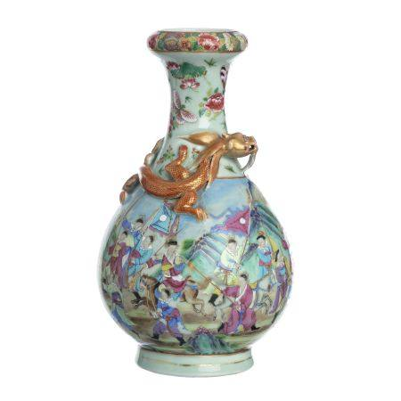 Chinese porcelain 'warrior and dragon' vase, Daogu