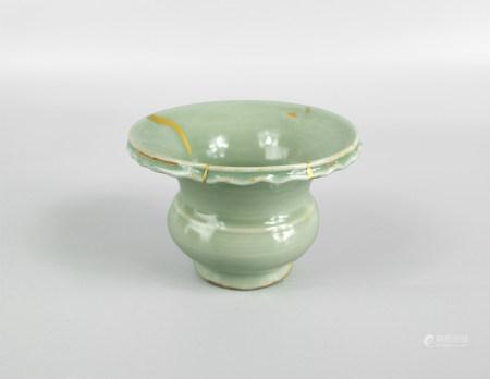 龙泉窑花盆