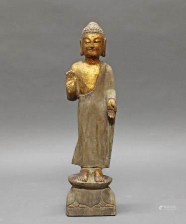 Stehender Buddha, China, neuzeitlich, Steinguss, teils vergoldet, beide Hände in mudra, auf doppel