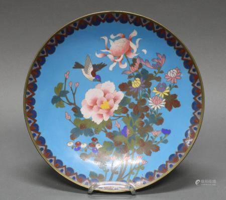 Platte, China, 20. Jh., Cloisonné, farbiger Dekor mit Blüten und einem Vogel, ø 30 cm, Haarrisse
