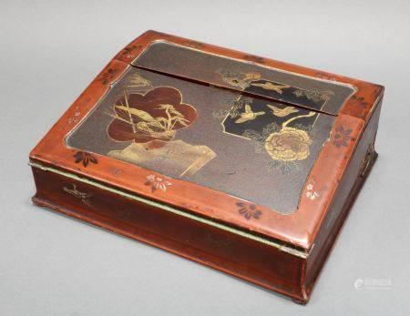 Schreibkasten, Japan, um 1900, Holz, farbig lackiert, Vogel- und Landschaftsdekor mit Goldlack, 10.