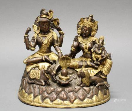 """Figurengruppe, """"Shiva, Paravati und Ganesha"""", Indien, 20. Jh., Kupferbronze, auf Sockel mit Naga, L"""