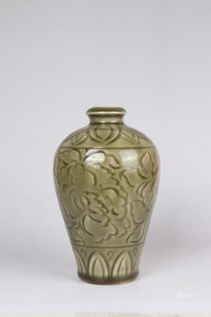 Chinese Yaozhou Kiln Porcelain Plum Bottle