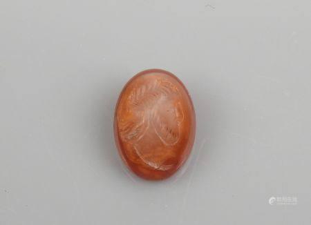 Intaille représentant une tête de Satrape ou de dignitaire Agate 1.8 cm