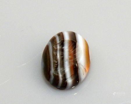 Intaille représentant une tête masculine Agate rubanée 1.3 cm