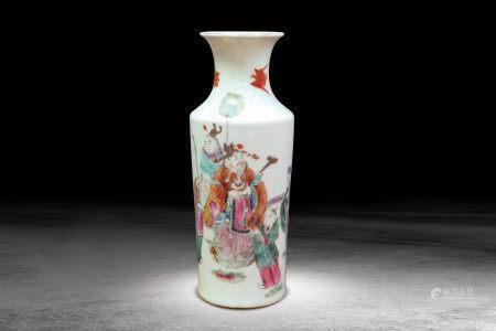 粉彩人物紋瓶