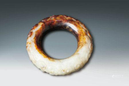 清 白玉花紋環