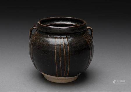 A RARE AND FINE CHINESE BROWN-GLAZED RIBBED JAR, GUAN, JIN DYNASTY (115-1234)