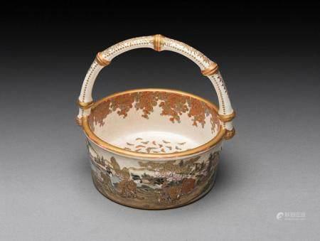 A FINELY DECORATED JAPANESE SATSUMA BASKET, SIGNED KINKOZAN SEI, MEIJI PERIOD (1868-1912)