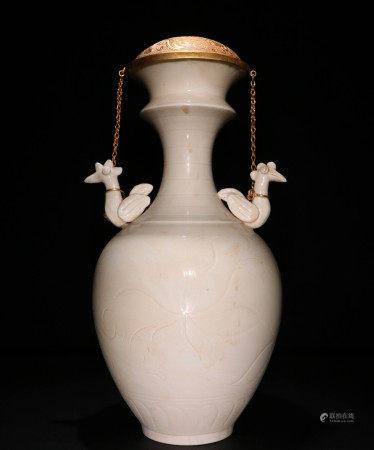 宋代 定窑白瓷双凤耳瓶