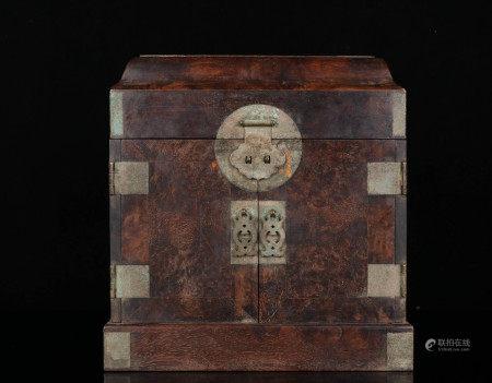 清代 老樱木镶铜首饰盒