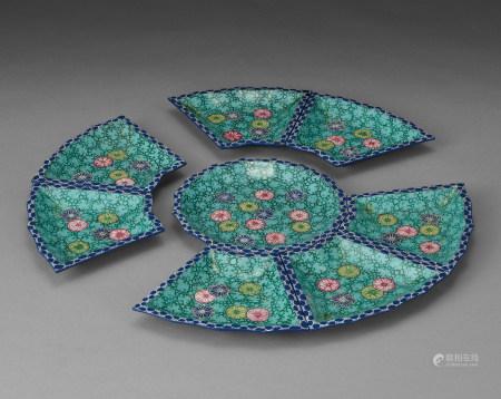 粉彩花皮球花卉紋套盤