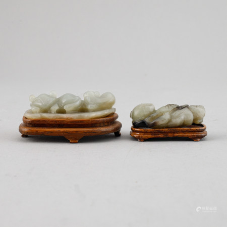Two Chinese nephrite sculptures.