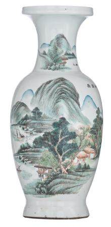 A Chinese Qianjiang cai vase, decorated with a
