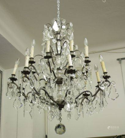 Chandelier with bronze shaft and crystal drops