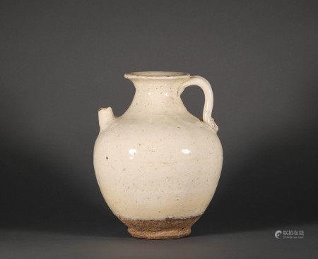 Xing kiln ewer from the Five Dynasties period 五代時期邢窯執壺