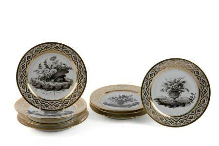 PARTLY GOLD-PLATED OLD PARISIAN PORCELAIN SERIES OF EIGHT PLATES. PERIOD POUYAT & RUSSINGER, C. 1810