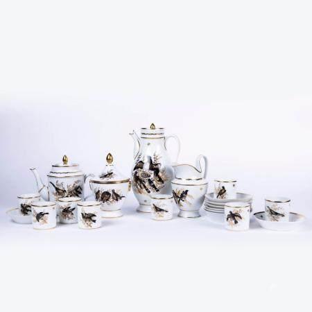 A PARTLY GILT PORCELAIN 20-PIECE COFFEE SERVICE. PERIOD CHARLES VAN MARCKE DE LUMMEN, LIÈGE, C. 181