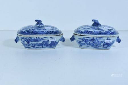 Paire de terrines couvertes en porcelaine de Chine 18Ëme (Lg.20cm)