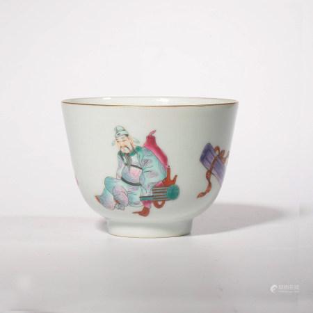 A FAMILLE ROSE FIGURE PORCELAIN CUP