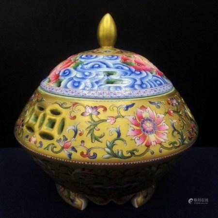 清 描金琺瑯彩鏤空雕大福壽香爐
