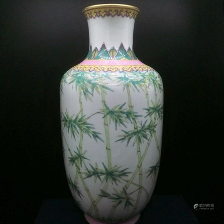 清 白釉粉彩風竹紋燈籠瓶