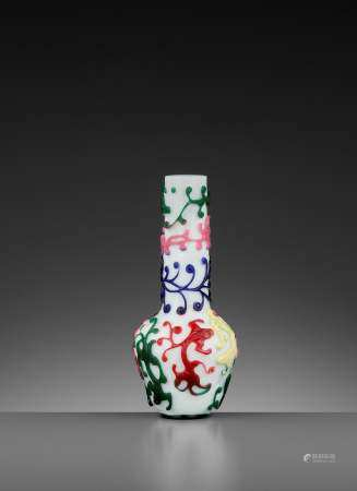 A QIANLONG MARK AND PERIOD FIVE-COLOR OVERLAY VASE